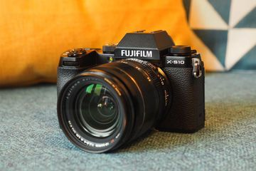 Fujifilm X-S10 Review : List of Ratings, Pros and Cons