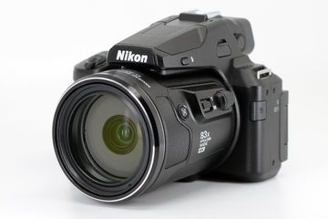 Nikon P950 Review : List of Ratings, Pros and Cons